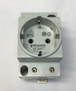 Merlin Gerin 15310 Prise de courant modulaire 16A 2P+T standard allemand 250V Degre de protection IP20 se conformer à CEI 60529 IP40 (boîtier modulaire) se conformer à CEI 60529